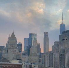 New York Life, Nyc Life, Empire State Of Mind, City Vibe, City Aesthetic, Aesthetic Light, Cream Aesthetic, Story Instagram, Dream City