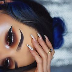 intense glitter winged liner - Make Up 2019 Cute Makeup, Glam Makeup, Makeup Inspo, Beauty Makeup, Hair Makeup, Makeup Ideas, Makeup List, Beauty Ad, Gorgeous Makeup
