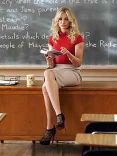 cameron diaz in bad teacher outfit