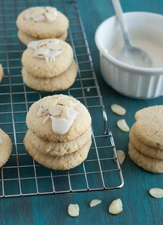 Low Carb Almond Cookies - The Low Carb Diet