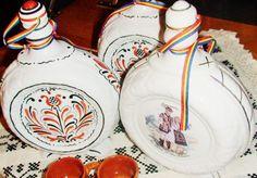 PLOSCA PORTELAN PICTATA - Artizanat cadouri speciale Arts And Crafts, Art And Craft, Art Crafts, Crafting