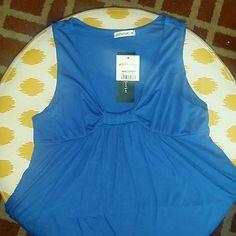 CUTE!! Royal blue Top Cute Spring Break top. Can be dressed up or down. No sleaves Tops Crop Tops