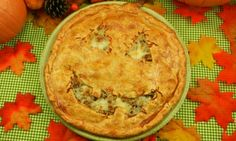 This recipe for Halloween Cheeseburger Pie is so yummy~! I cant stop eating the leftovers