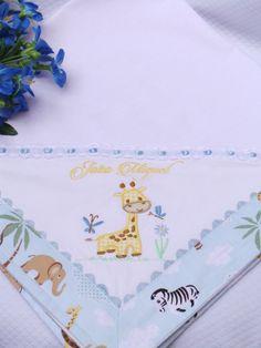 O Cueiro de Flanela é bordado à Máquina com desenho do Girafinha Safari. As bordas são de tecido estampado Safari e detalhe em sianinha e passa-fitas. Podendo ser escolhidos outros desenhos e temas. Totalmente em algodão, mede 78 x 78 centímetros. Baby Sheets, Baby Bedding Sets, Baby Pillows, Baby Crafts, Diy And Crafts, Embroidery Stitches, Embroidery Patterns, Embroidered Bedding, Baby Quilt Patterns
