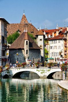 Annecy, France is a commune in the Haute-Savoie department in the Rhône-Alpes region in south-eastern France. It lies on the northern tip of Lake Annecy (Lac d'Annecy), 35 kilometres south of Geneva. Places Around The World, Travel Around The World, Around The Worlds, Dream Vacations, Vacation Spots, Places To Travel, Places To See, Wonderful Places, Beautiful Places
