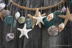 Summer Decorating – Beach Garland You don't need a beach house to bring in coastal decor - decorate your home with this simple summer garland.You don't need a beach house to bring in coastal decor - decorate your home with this simple summer garland. Seashell Crafts, Beach Crafts, Seashell Garland, Rope Crafts, Diy Crafts, Deco Marine, Beach Room, Ocean Room, Beach Gardens