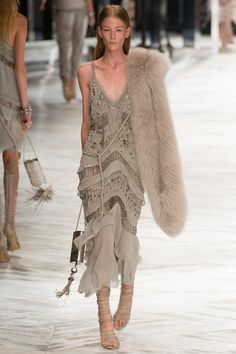 Roberto Cavalli Spring 2014 RTW - Runway Photos - Fashion Week - Runway, Fashion Shows and Collections - Vogue Style Couture, Couture Fashion, Runway Fashion, Womens Fashion, Look Fashion, Spring Fashion, Fashion Show, Fashion Outfits, Fashion Design