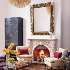 We would expect nothing less than an impeccably styled living room in the home of fashion mogul, Michelle Smith (@MillybyMichelle). Her designer, Shaun Jackson, perfectly balanced the monumental mirror above the mantle with an elegant 19th century Chinese compound cabinet. #interiordesign #chinese #chinesecabinet #chinesefurniture #cabinet #furniture #elledecor #milly #decor #asianfurniture #asiancabinet