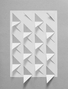 Strip sculptures paper