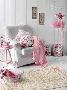Living room details #englishhome #carpet #decoration