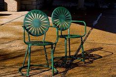 Mad for Mid-Century: University of Wisconsin Union Terrace Sunburst Chair Metal Garden Furniture, Patio Furniture Sets, Outdoor Furniture, Office Furniture, Metal Chairs, Cool Chairs, Awesome Chairs, Modern Bench, Mid-century Modern