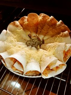 Pizza Recipes, Cooking Recipes, Best Food Ever, Enchiladas, Salad, Eat, Ethnic Recipes, Wraps, Coffee