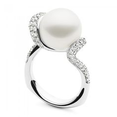 The Shine Ring Sparkle features a luminous12-13mm Australian South Sea pearl set with pave sparkling diamonds in a curvaceous 18ct white gold setting. #kailispearls