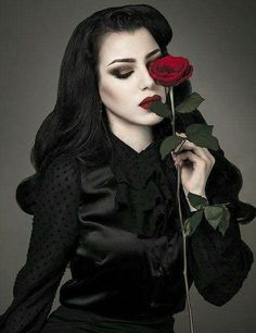 dark romantica
