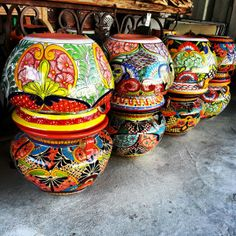 Lots if Mexican Planters Pots Talavera in Houston Texas 725 Yale St 2105 Mexican Garden, Mexican Art, Blue Dinnerware Sets, Talavera Pottery, Ceramic Plant Pots, Potted Plants, Beautiful Gardens, Flower Pots, Vivid Colors