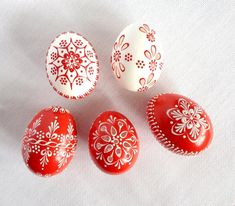 Set of 5 red white Hand Decorated Madeira Painted Chicken Easter Egg with or without Ribbon, Drilled Traditional Slavic Wax Pinhead, Pysanka Egg Crafts, Easter Crafts, Easter Decor, Easter Ideas, Easter Egg Designs, Diy Ostern, Easter Traditions, Egg Art, Easter Holidays
