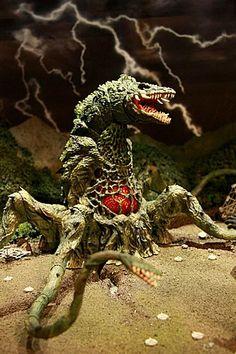In case of giant radioactive monsters. Godzilla Figures, Godzilla Toys, All Godzilla Monsters, Horror Monsters, Godzilla Comics, Monster Rocks, Monster Art, Pacific Rim Kaiju, Godzilla Tattoo