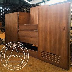 https://flic.kr/p/tNbhpw | #enproceso clóset de blancos elaborado en madera de #caoba. #tricasa #woodwork #group #excelenciaencarpinteria