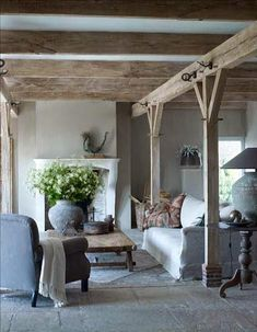 Modern Country Style: Belgian Style Living Room Click through for details. Living Room Decor, Living Spaces, Cottage Living Rooms, Modern Country Style, Country Chic, French Country, European Style, Country Decor, Belgian Style