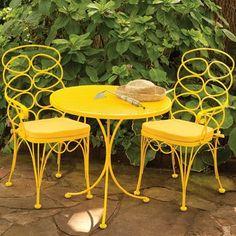 Adorable yellow patio furniture
