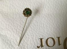 Pin french Vintage for lady, Brooch, hat pin, Flower in gold and small green stones de la boutique VintagedeFrance sur Etsy