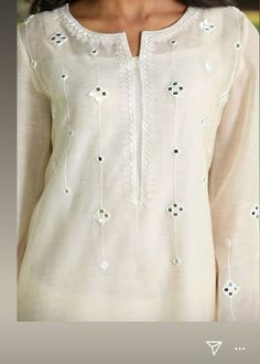 Neck Designs For Suits, Dress Neck Designs, Blouse Designs, Stylish Dress Designs, Designs For Dresses, Stylish Dresses, Mirror Work Kurti Design, Kurti Embroidery Design, Indian Embroidery
