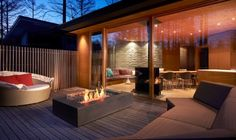 Perfect Fireplaces for Outside Entertaining