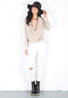 Does an un raveling hole qualify as an accessory?  _  J Brand Blanc Destruct 811 Mid Rise Skinny Jean