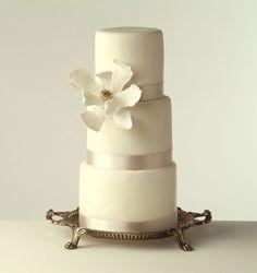 April Reed Magnolia Wedding Cake