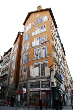 This beautiful fresco adorns the exterior of the City Library in Lyon, France