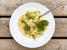 Kylling i karryfløde med spidskål og broccoli