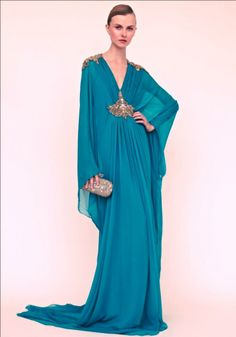 """Marchesa Resort 2013 turquoise kaftan long sleeve caftan """"Sheer teal kaftan with embellished waist and shoulder details"""" Nene wore on the rhoa reunion season 5 (Would be great laying by the pool dripping in diamonds! Marchesa, Runway Fashion, Fashion Show, High Fashion, Teal Bridesmaid Dresses, Mode Glamour, Estilo Hippy, Mode Abaya, Dress Vestidos"""