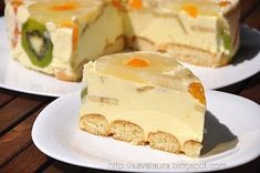 Romanian Diplomat Cake - looks yummy, but I have no idea what's in it...the recipe is not in English!