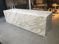 Another sneak peek of our new Sydney showroom coming together. The Neolith Calacatta Gold bench looks amazing! Installed by @juststoneaustralia #cdkstone #neolith #neolithcalacattagold #calacattagold #sinteredcompactsurface #extraordinarysurface #scratchresistant #stainresistant #heatresistant #coldresistant #resistanttouvfading #designinspiration