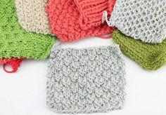 Aprende qué es una muestra de punto y para qué sirve. Las muestras de tejido te ayudan a calcular cuantos puntos necesitas para tejer cualquier cosa.