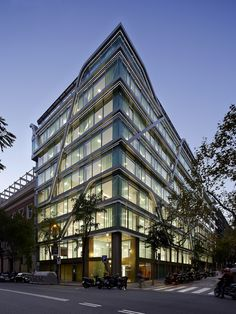 Octavio Mestre, Jordi Miralles · Offices building in Barcelona Glass Pavilion, Barcelona, Luoyang, Luxury Apartments, Exterior Design, Architecture Design, Multi Story Building, Offices, Projects