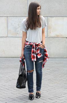 Jeans + Tee + Plaid Flannel - Women's Fall Fashion
