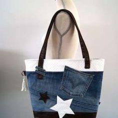 Tuto Couture DIY : Réaliser un sac WoW en jean récupéré pour débutant Diy Sac En Jean, Boho Mode, Coin Couture, Old Jeans, Patchwork Dress, Denim Bag, Recycling, Tote Bag, Sewing