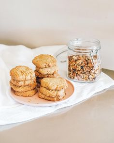 Saturday scenes featuring some freschly baked spelt + almond flour and walnut cookies 💛 ~ Needing some foodie inspo? Head over to our website and explore our Fresch Recipes blog! 😍 Walnut Cookies, Healthy Desserts, Almond Flour, Cereal, Muffin, Explore, Baking, Website, Breakfast
