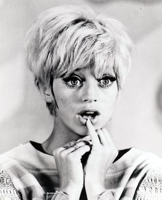 Goldie Hawn in the early 1960s (looking like a non-strungout Edie Sedgwick), love this!