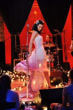 Katy Perry performs on 'MTV Unplugged. Best Night Ever, Mtv Unplugged, Smurfette, Music Radio, Killer Queen, Documentary Film, Her Music, Katy Perry, Her Style