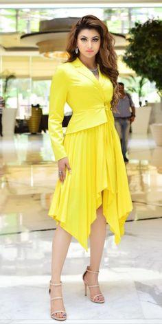 Like It 👍 or Love It 😘 Urvashi Rautela looks Super gorgeous Indian Celebrities, Bollywood Celebrities, Bollywood Actress, Bollywood Photos, Bollywood Fashion, Beautiful Indian Actress, Beautiful Actresses, Hottest Models, Hottest Photos
