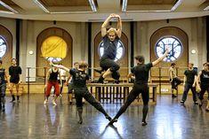 François Alu répète Le Fils Prodigue de George Balanchine.  © Sébastien Mathé/Opéra national de Paris