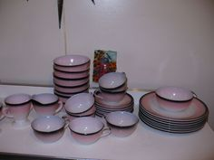 Vintage Art Deco Hazel Atlas 33 PC Set Pink & Black Ovide Platonite