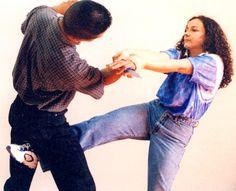 http://taserstungun.com.mx/blog/consejos/22-tips-de-defensa-personal-para-mujers