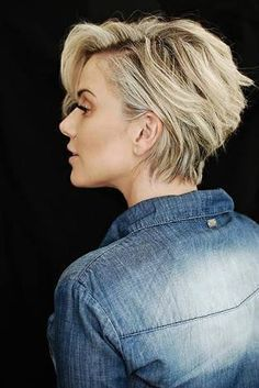 2018 Die neuesten längeren Pixie-Frisuren - Nice - Short hair cuts for women Long Pixie Hairstyles, Cool Hairstyles, Hairstyle Ideas, Hairstyle Short, Short Hairstyles For Women, Short Hair Cuts For Women Pixie, Blonde Haircuts, Latest Hairstyles, Short Cuts