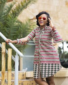 The complete pictures of latest ankara short gown styles of 2018 you've been searching for. These short ankara gown styles of 2018 are beautiful African Print Dress Designs, African Print Dresses, African Dresses For Women, African Attire, African Wear, African Women, African Style, Ankara Short Gown Styles, Latest Ankara Styles