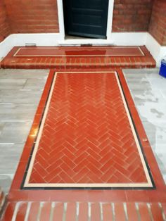We took the old red brick of this London home and used it to inspire the pathway, made of half red bricks with a patterned, polished finish. A stunning addition to this London Front Garden. Front Garden Path, Front Walkway, Front Gardens, Red Brick Paving, Edwardian Haus, Paving Ideas, Victorian Tiles, Garden Features, Style Tile