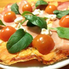 Merethe Vrå : Tortillapizza med Serranoskinke og tomater