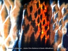 #handmade #naturaldye #silk #cotton #naturalfiber #vegetal #inbluebrazil #fire #mokume #shibori #degradê #laranja #black Leka Oliveira #designer #textil